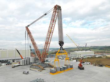 Liebherr crawler crane offers 3,000 tonnes lifting capacity